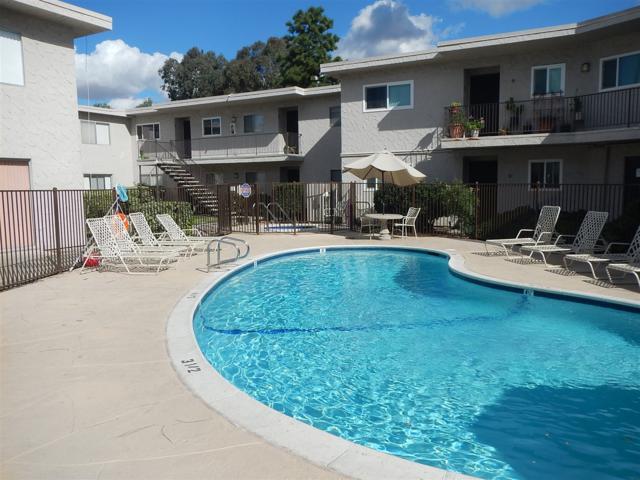 8220 Vincetta Rd #19, La Mesa, CA 91942 (#180003791) :: Whissel Realty
