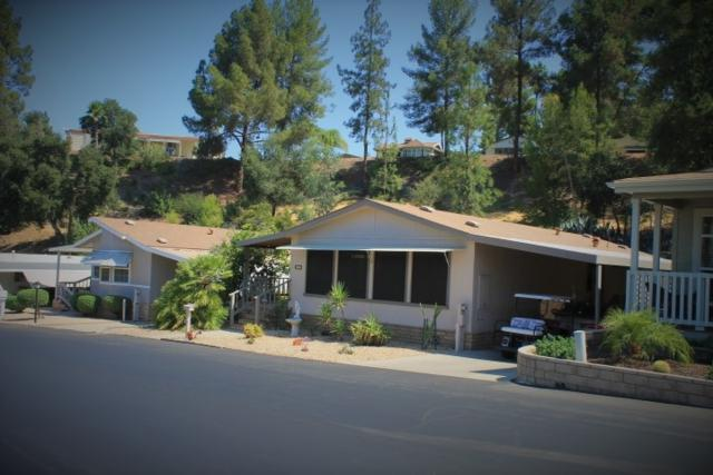 8975 Lawrence Welk #122, Escondido, CA 92026 (#180004998) :: Neuman & Neuman Real Estate Inc.
