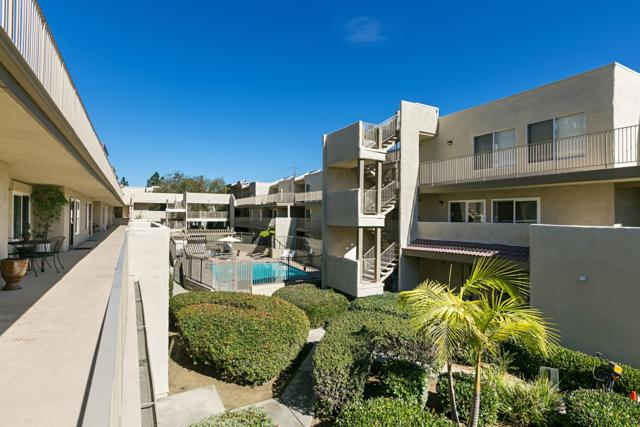 13754 Mango Dr #216, Del Mar, CA 92014 (#180005618) :: Douglas Elliman - Ruth Pugh Group