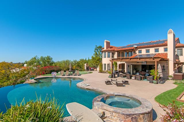6188 Avenida Del Duque, Rancho Santa Fe, CA 92067 (#180007548) :: The Yarbrough Group