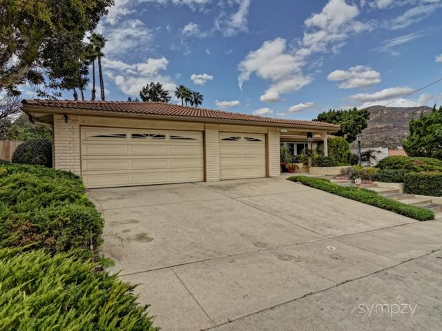 6454 Gay Lake Ave, San Diego, CA 92119 (#180008168) :: Whissel Realty