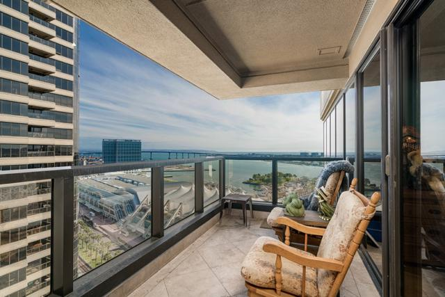 100 Harbor Drive #2706, San Diego, CA 92101 (#180008464) :: Ascent Real Estate, Inc.