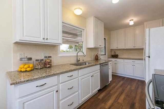 4901 Mount Etna Dr., San Diego, CA 92117 (#180009009) :: Whissel Realty