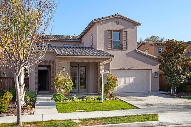 3733 Arapaho Pl, Carlsbad, CA 92010 (#180009806) :: Jacobo Realty Group