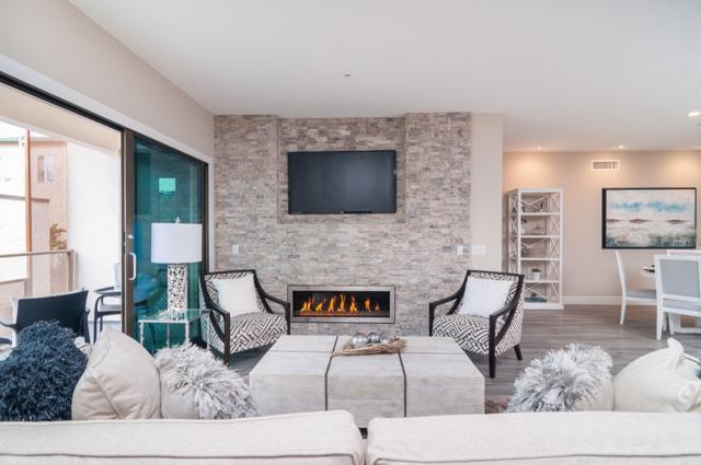 3025 Byron Street #207, San Diego, CA 92106 (#180009853) :: Coldwell Banker Residential Brokerage