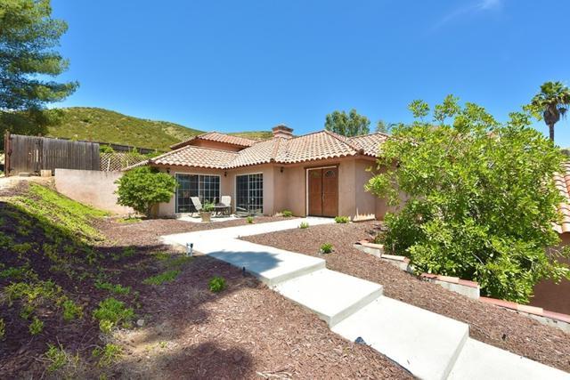 16226 Oak Springs, Ramona, CA 92065 (#180011053) :: Beachside Realty