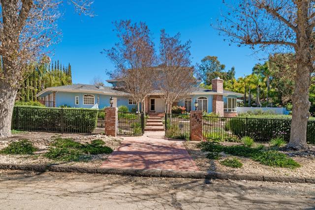 3287 Via Las Faldas, Jamul, CA 91935 (#180011876) :: Neuman & Neuman Real Estate Inc.