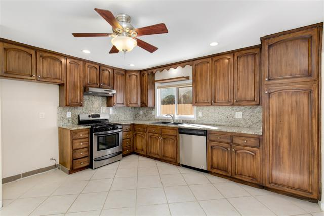 1960 Barsanti Ct, San Diego, CA 92154 (#180012278) :: The Houston Team | Coastal Premier Properties
