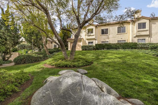 740 Breeze Hill Rd #165, Vista, CA 92081 (#180012286) :: The Yarbrough Group