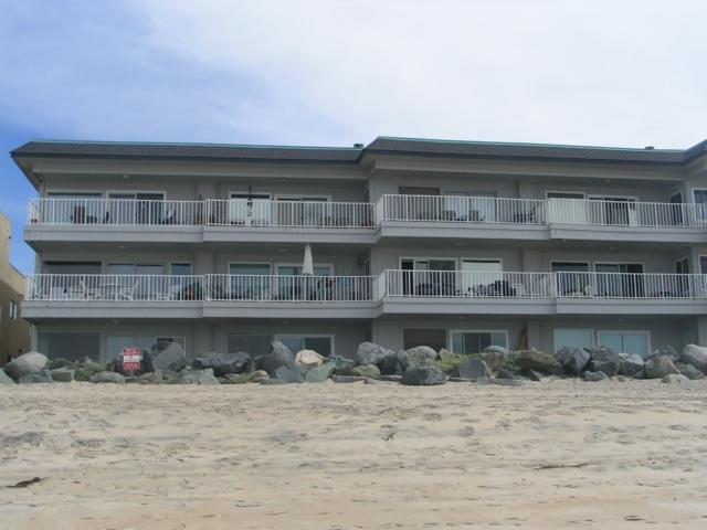 1320 Seacoast Dr A, Imperial Beach, CA 91932 (#180012757) :: Hometown Realty