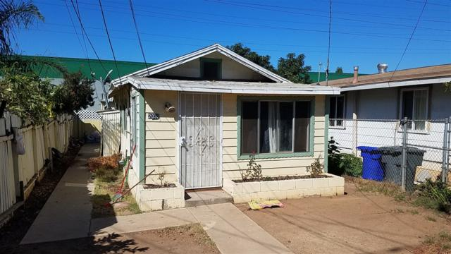 2032 Wilson Ave, National City, CA 91950 (#180012957) :: The Yarbrough Group