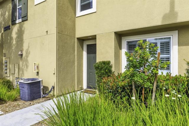 35792 Hazelhurst St #1, Murrieta, CA 92562 (#180013438) :: Beachside Realty