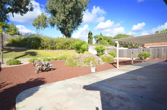 4648 Briar Ridge Rd, Oceanside, CA 92056 (#180014028) :: Allison James Estates and Homes