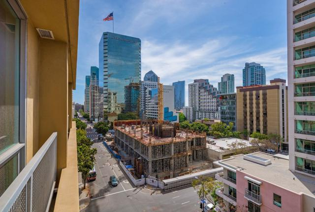 350 W Ash Street #706, San Diego, CA 92101 (#180018205) :: The Yarbrough Group
