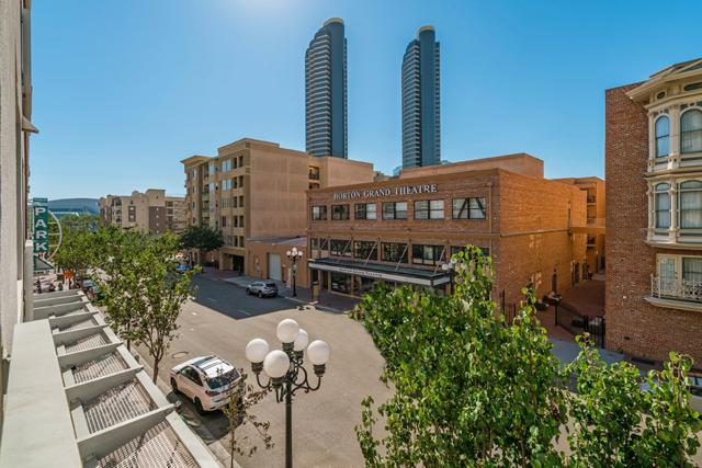 445 Island Avenue #403, San Diego, CA 92101 (#180019230) :: Neuman & Neuman Real Estate Inc.