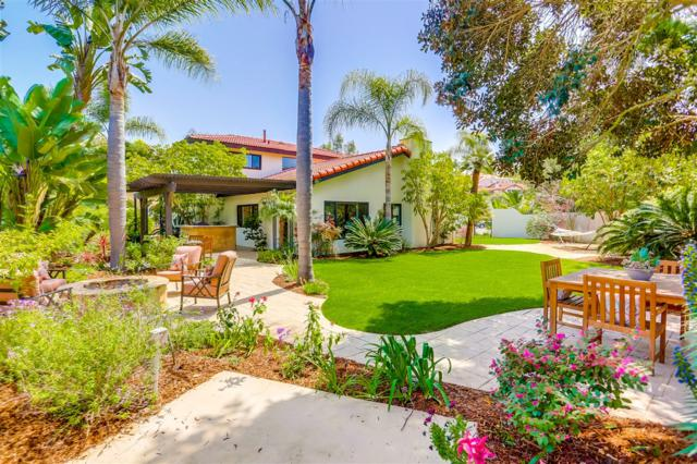 2810 Esturion Ct, Carlsbad, CA 92009 (#180019404) :: Whissel Realty