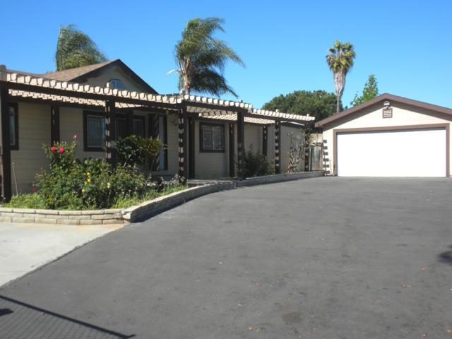 1252 N Fig St, Escondido, CA 92026 (#180020021) :: Neuman & Neuman Real Estate Inc.