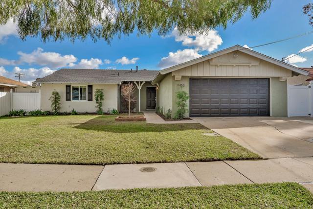 8455 Lake Ben Ave, San Diego, CA 92119 (#180020311) :: Neuman & Neuman Real Estate Inc.
