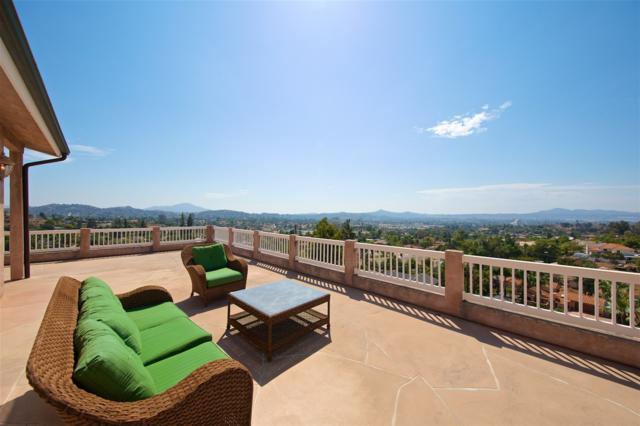 2328 Cerro Sereno, El Cajon, CA 92019 (#180020351) :: The Houston Team | Coastal Premier Properties