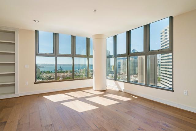 645 Front Street #2102, San Diego, CA 92101 (#180021225) :: Neuman & Neuman Real Estate Inc.