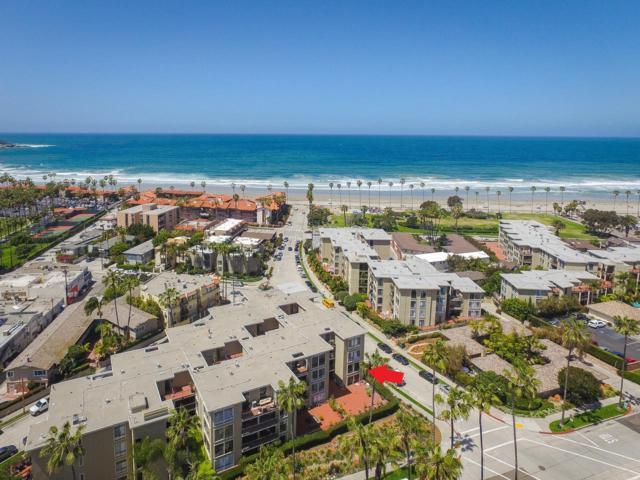 8110 El Paseo Grande #206, La Jolla, CA 92037 (#180021312) :: Coldwell Banker Residential Brokerage