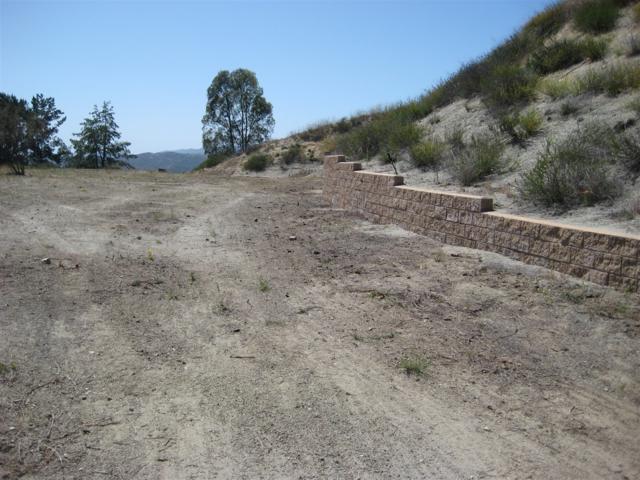 3130 Vista Del Rio #05, Fallbrook, CA 92028 (#180022865) :: Keller Williams - Triolo Realty Group