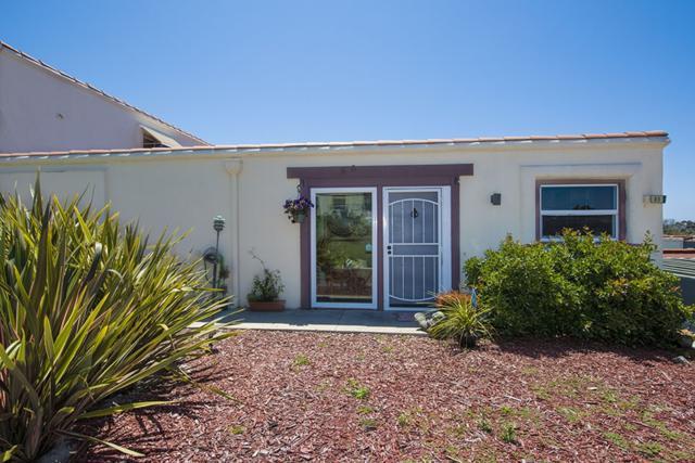 3621 Vista Campana S #83, Oceanside, CA 92057 (#180023812) :: Heller The Home Seller