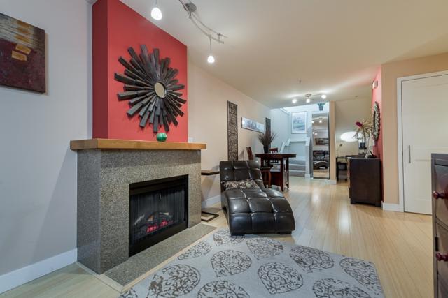 700 W E Street #402, San Diego, CA 92101 (#180024135) :: Neuman & Neuman Real Estate Inc.