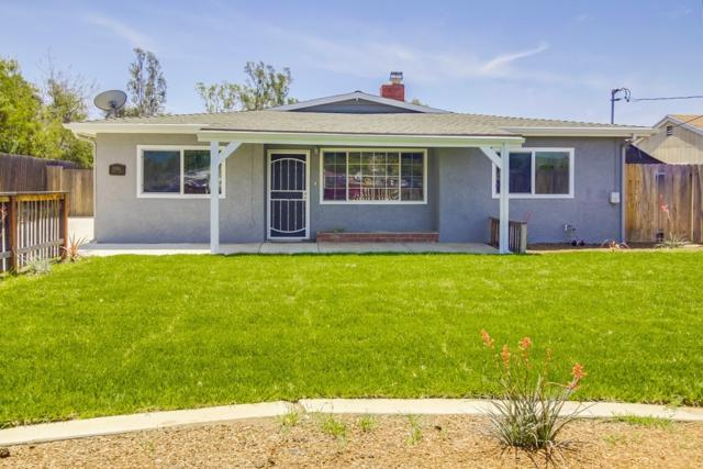 10361 Happy Ln, Santee, CA 92071 (#180025015) :: The Yarbrough Group
