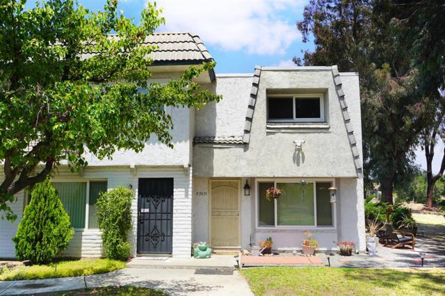 9435 Carlton Oaks Dr. F, Santee, CA 92071 (#180025868) :: Heller The Home Seller
