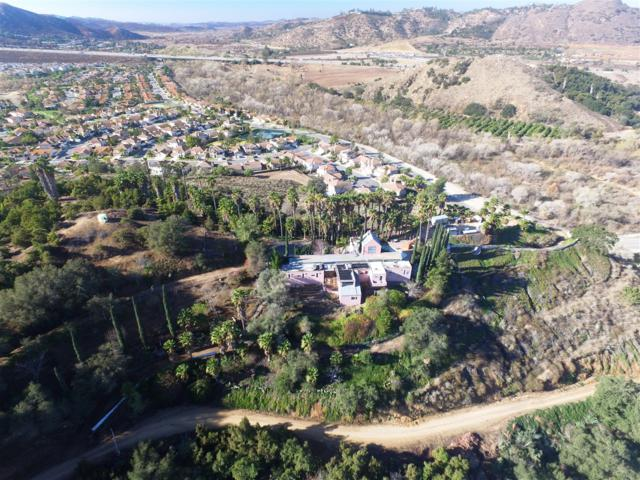 3264 Shearer Crossing, Fallbrook, CA 92028 (#180026152) :: Ascent Real Estate, Inc.