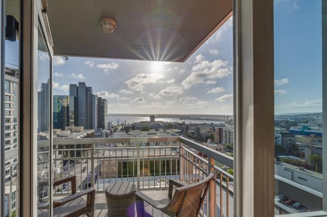 300 W Beech St #1102, San Diego, CA 92101 (#180026685) :: The Yarbrough Group