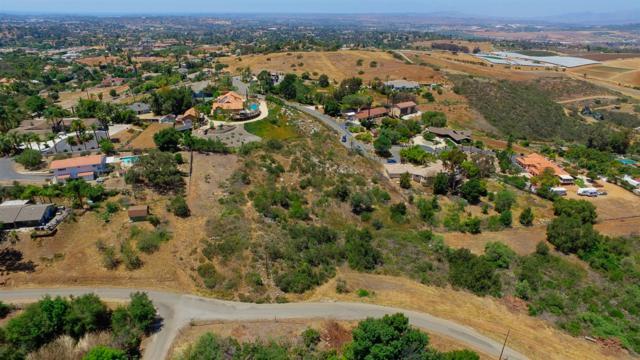 000 Vista Grande Terrace #65, Vista, CA 92084 (#180027394) :: Ghio Panissidi & Associates