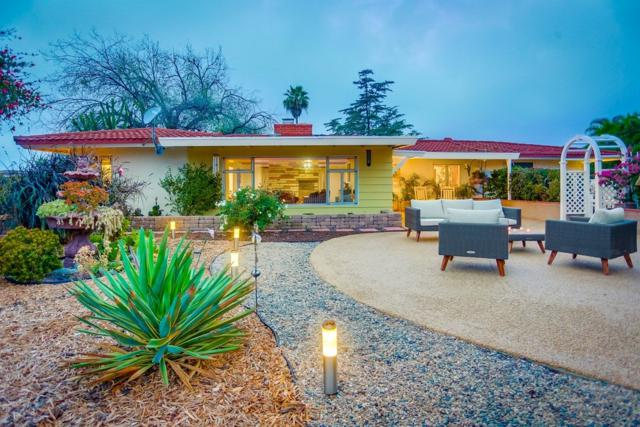 14867 Eastvale Road, Poway, CA 92064 (#180027410) :: The Yarbrough Group