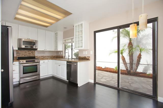 830 Bluewater Rd, Carlsbad, CA 92011 (#180027639) :: The Yarbrough Group