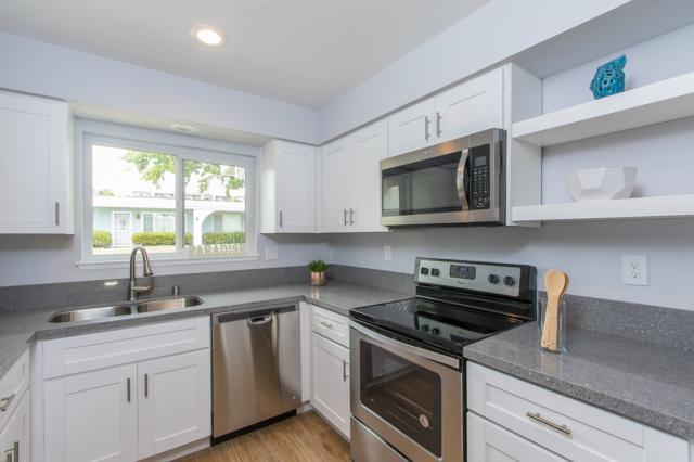 3614 Mount Vernon Ave, Oceanside, CA 92057 (#180028180) :: Keller Williams - Triolo Realty Group