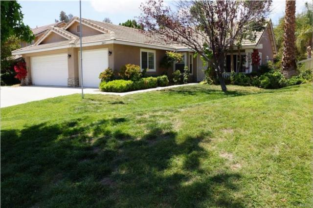 29437 Tours St, Lake Elsinore, CA 92530 (#180029892) :: Keller Williams - Triolo Realty Group
