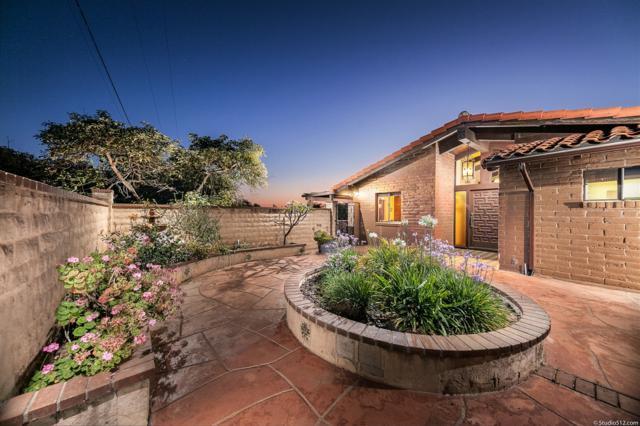 11258 Pala Loma Dr, Valley Center, CA 92082 (#180030004) :: Neuman & Neuman Real Estate Inc.