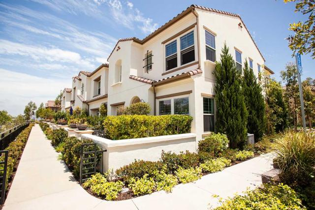 16665 Gill Loop, San Diego, CA 92127 (#180031028) :: Neuman & Neuman Real Estate Inc.