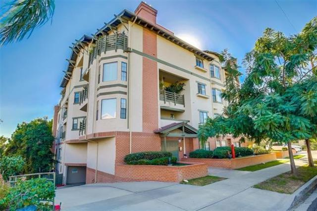 909 Sutter Street #304, San Diego, CA 92103 (#180032368) :: Keller Williams - Triolo Realty Group