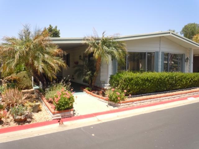 2250 N Broadway #51, Escondido, CA 92026 (#180033114) :: Heller The Home Seller