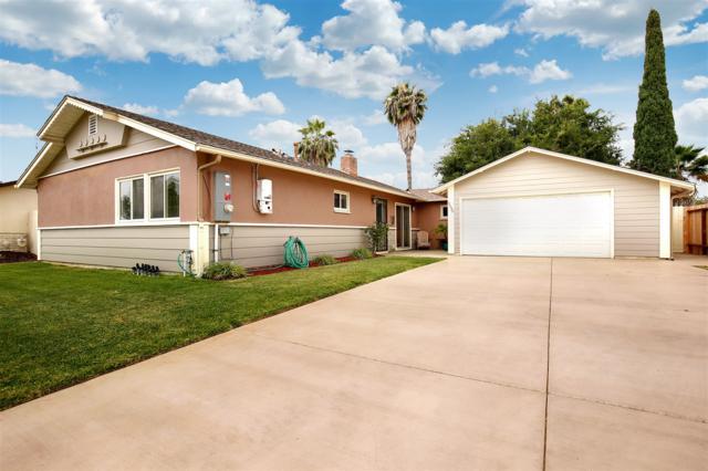 3530 Altridge St, San Diego, CA 92123 (#180033899) :: Ghio Panissidi & Associates