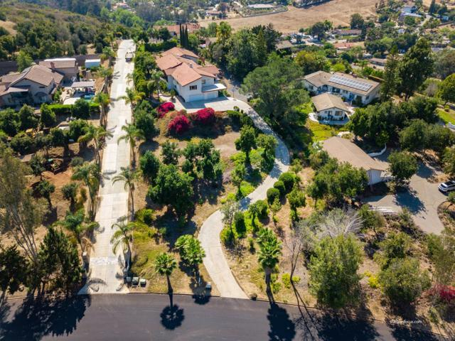 1319 Sugarbush Drive, Vista, CA 92084 (#180034083) :: The Yarbrough Group
