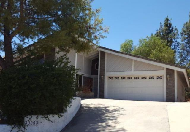 30393 Early Round Dr, Canyon Lake, CA 92587 (#180035559) :: The Houston Team | Compass