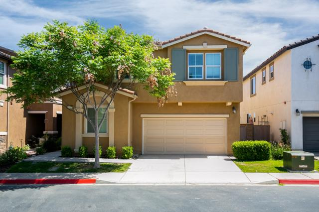 10065 Leavesly Trail, Santee, CA 92071 (#180036539) :: Whissel Realty
