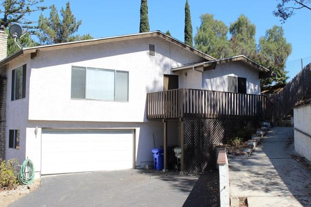 887 Phillips St, Vista, CA 92083 (#180037266) :: The Yarbrough Group