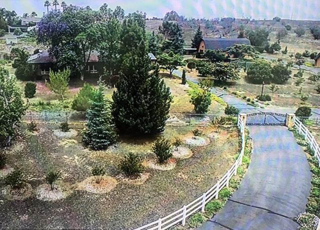 1568 Tioga Trail, Fallbrook, CA 92028 (#180037902) :: Farland Realty