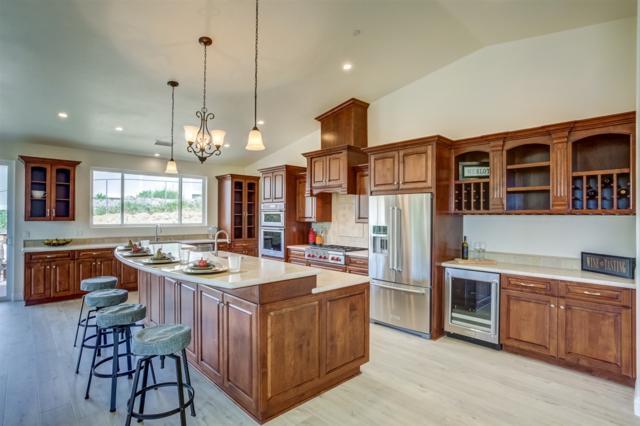 28043 Oak Ranch Rd, Escondido, CA 92026 (#180039568) :: Heller The Home Seller