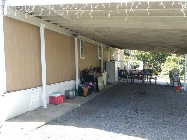 30234 Castlecrest Drive, Valley Center, CA 92082 (#180039938) :: Keller Williams - Triolo Realty Group