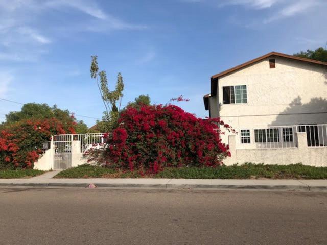 388-390 Sycamore Rd, San Ysidro, CA 92173 (#180040861) :: Keller Williams - Triolo Realty Group